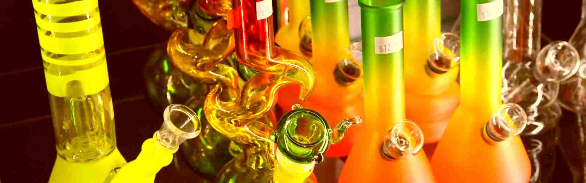 What is the Difference Between a Bong and a Vape Bubbler?
