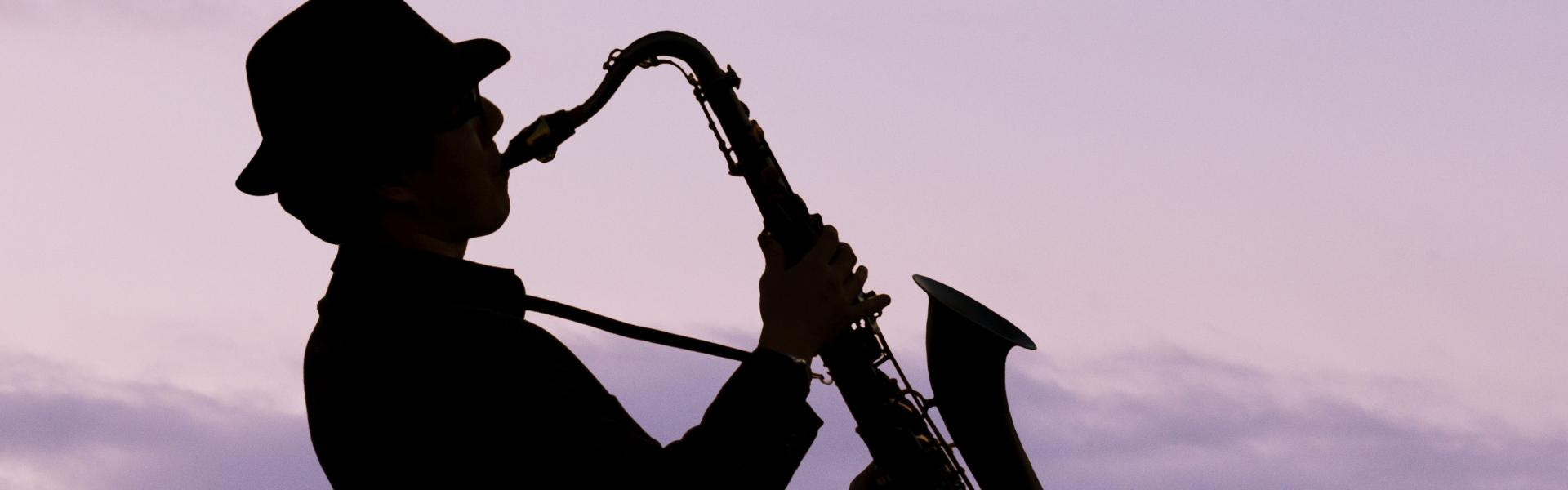 Top 10 Jazz Musicians to Enjoy Whilst Using Your Dry Herb Vaporizer